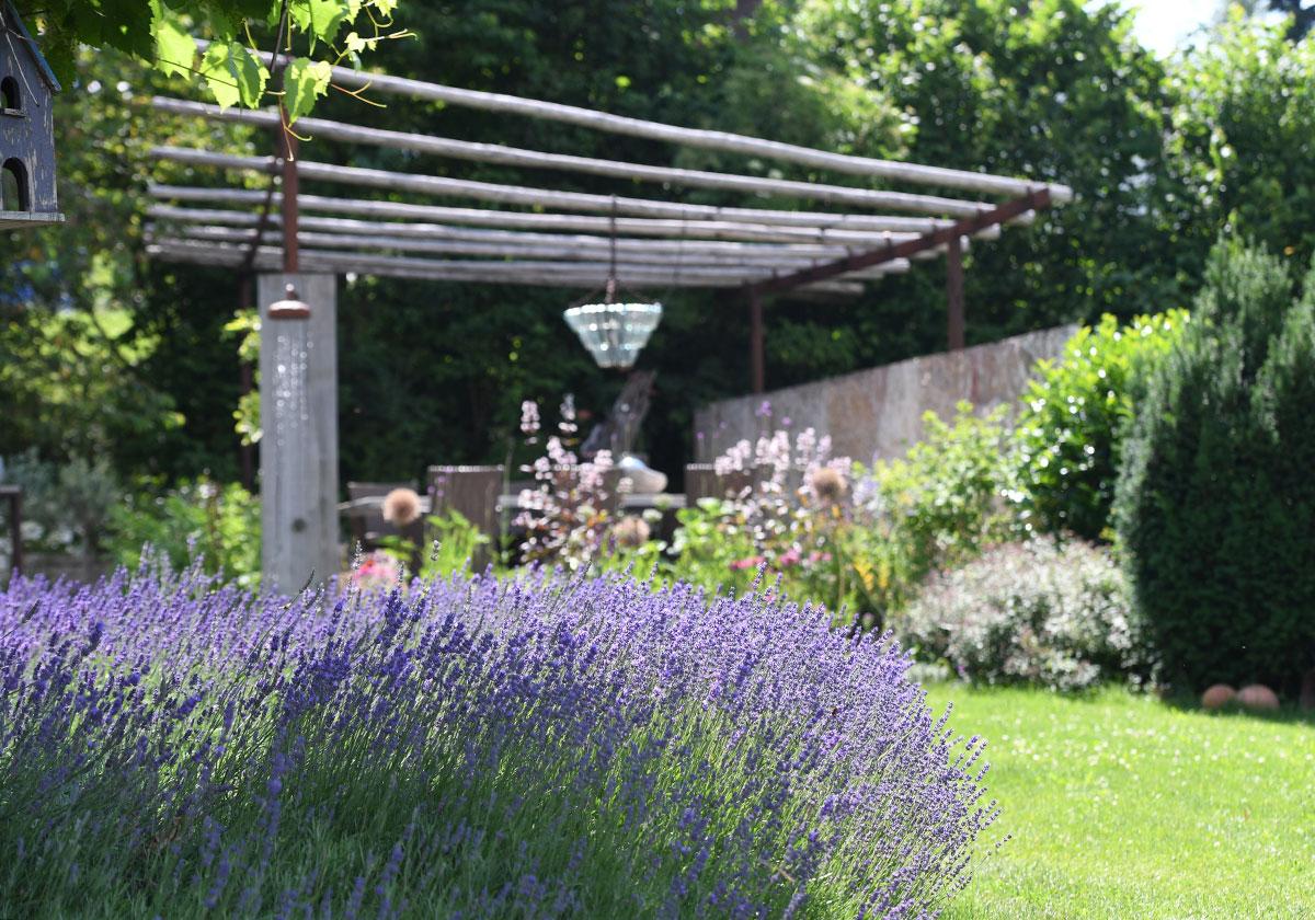 Verspielter Gartentraum Jäger Garten Und Landschaftsbau